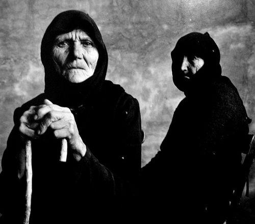 "Irving Penn      Two Women, Crete      1964  Makes me think of ""Little Grandma""."
