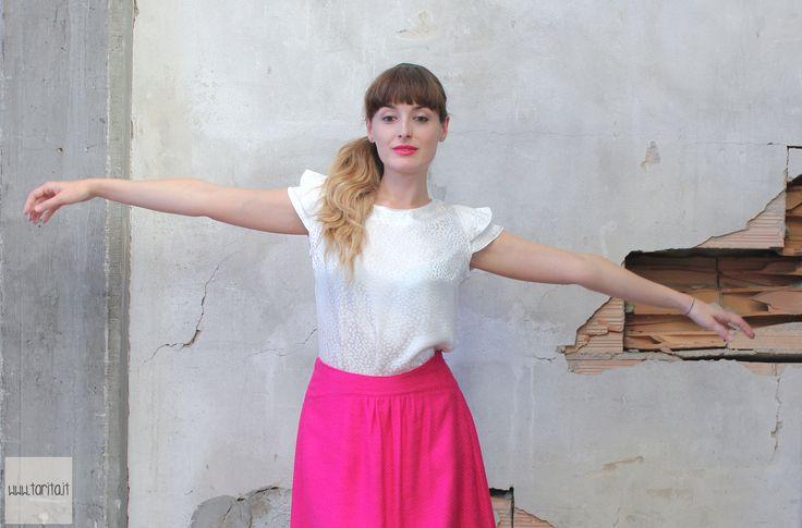 """Tarita FW13/14. Tarita """"Numero UNO"""" Collection. White silk top and cotton & viscose fucsia skirt."""