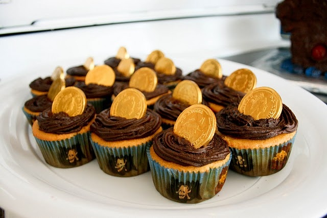 I made cupcakes just like this for Orions treasure birthday so I don't know if I would do it again for pirates but they were cute.