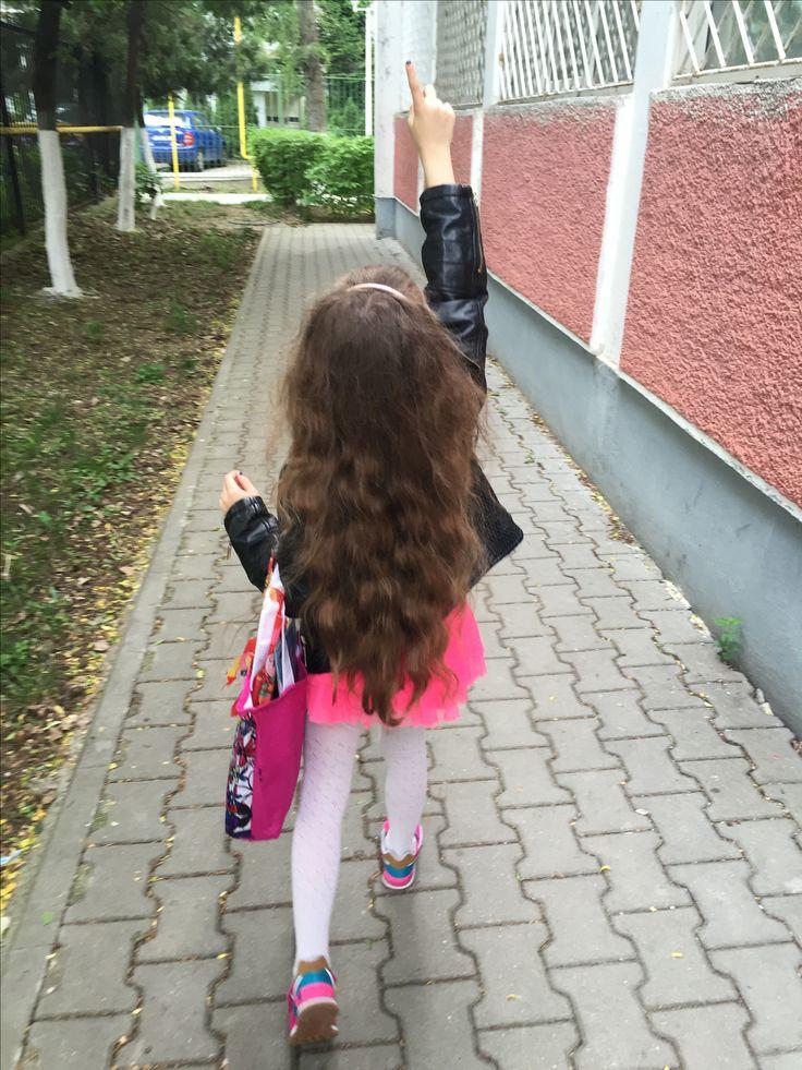 #catchingbutterflies #fun #play #pink #ootd #sarah #model #sarahfashionablekids #modelling