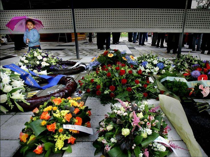 De herdenking veertien jaar na de ramp, in 2006.  Robin Utrecht / ANP