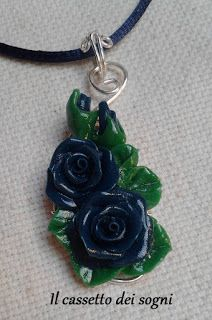 Pendente rose blu / blue roses pendant