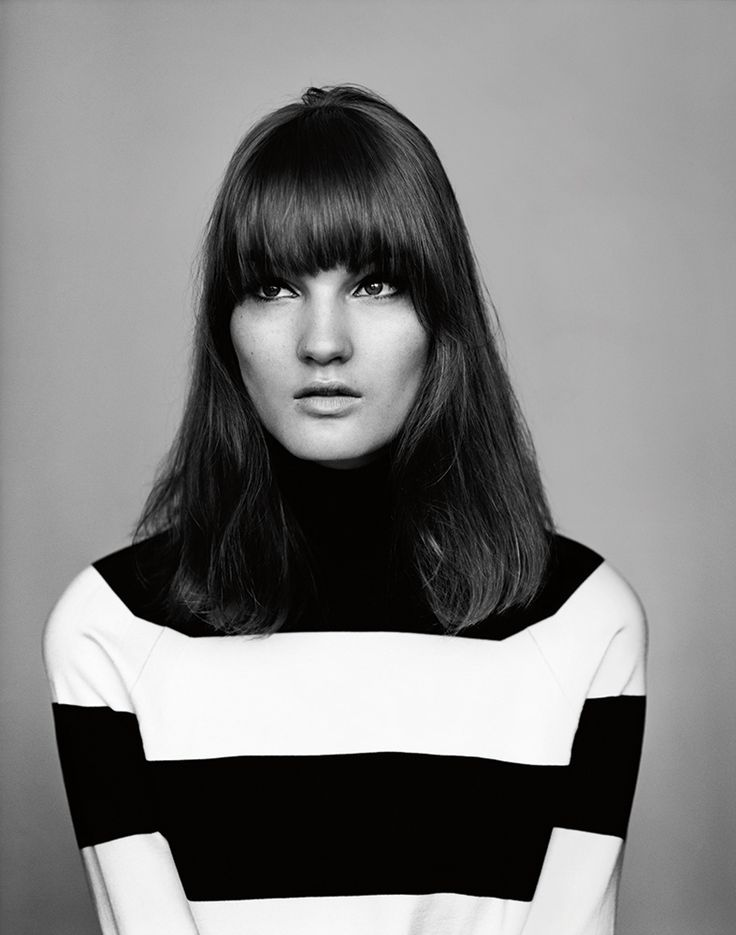 Blunt fringe is oh-so mod via @intothegloss