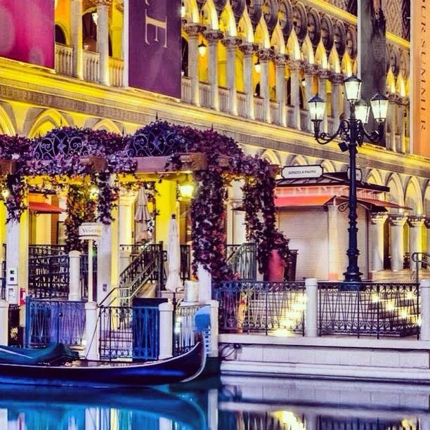 Bellagio Hotel In Las Vegas Vicki Smallwood S Instagram Photos Webstagram The Best Viewer Long Exposure Pinterest