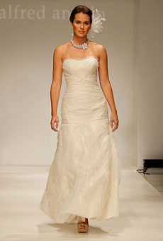 Love this dress! Style 8508 by Modern Vintage by Alfred Angelo - fall 2012