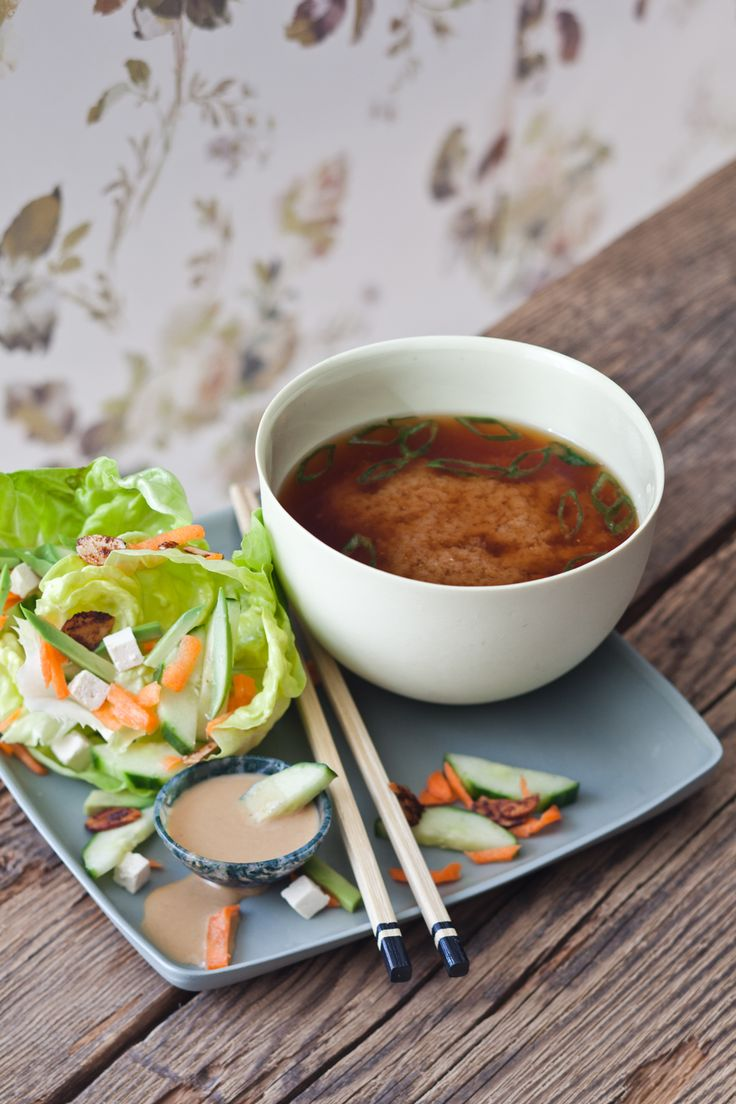 Try my yummy #miso soup and salad combo inspired by my fabulous Japanese mom! Recipe here: http://www.candicekumai.com/recipes/miso-soup/