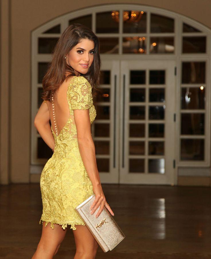 Camila Coelho veste Alfreda LOOK DA NOITE: GREEN LACE DRESS