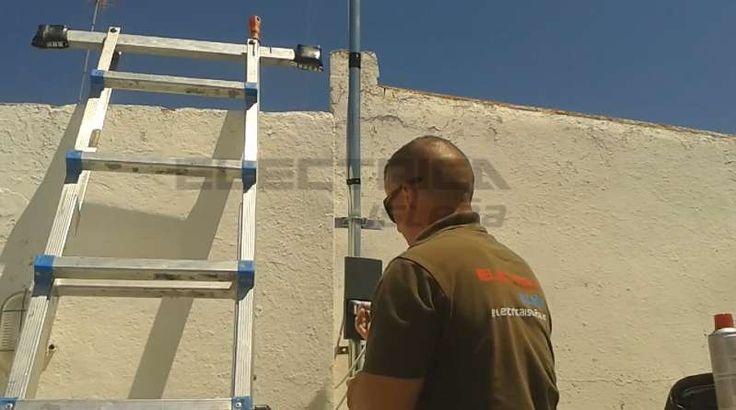 Instalación de antena tv. Conectando el amplificador de mástil