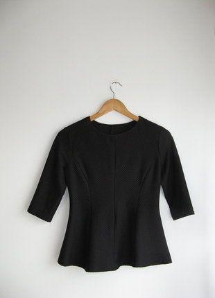 Kup mój przedmiot na #vintedpl http://www.vinted.pl/damska-odziez/bluzki-z-3-slash-4-rekawami/15990989-czarna-elegancka-klasyczna-bluzka-zara-a-la-baskinka