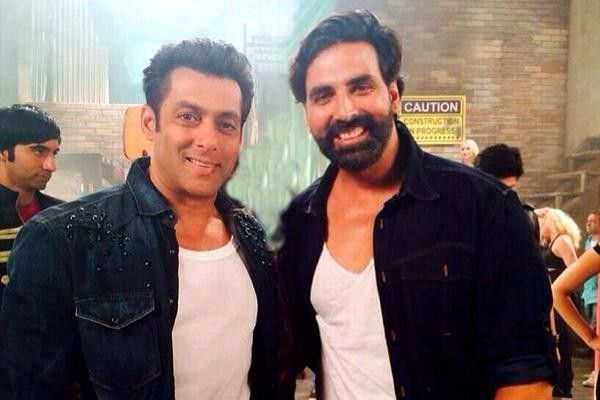 Watch Akshay Kumar's surprise performance at Salman Khan's Da-bang tour; is it a promotional strategy for their upcoming movie?