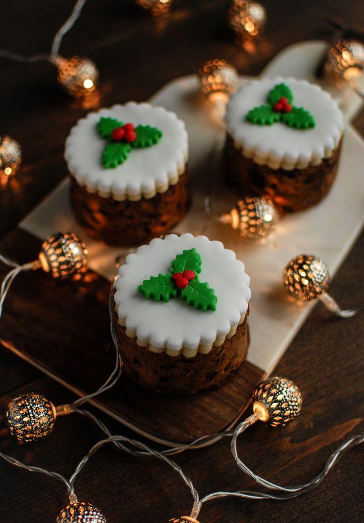 Baked Bean Tin Fig and Pistachio Christmas Cakes