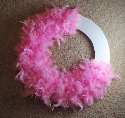 Feather Boa Wreath Tutorial -- could do any color/theme for season/party