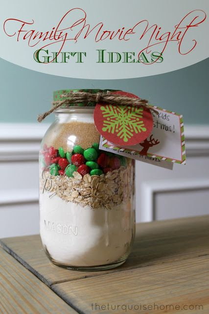 Family Movie Night Gift Ideas {cookies in a jar and homemade hot chocolate}