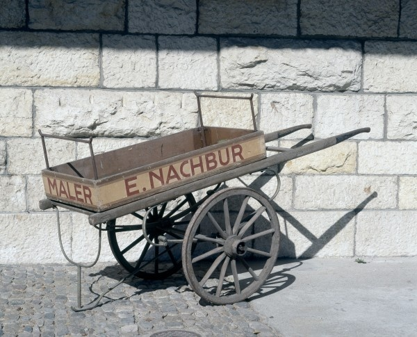 "Handwagen eines Malers, Um 1920 Inschrift: E. Nachbur, Maler, Tel. 22 117 H. 140, B. 112, L. 260 cm // ENGLISH: Painter's hand #cart, Ca. 1920, Inscribed ""E. Nachbur, Maler, Tel. 22 117"", height 140 cm, width 112 cm, length 260 cm #Basel #kutschen #carriage #slide #pferdestaerken #horsepower #wagen #transport  #museum #schweiz #ps"