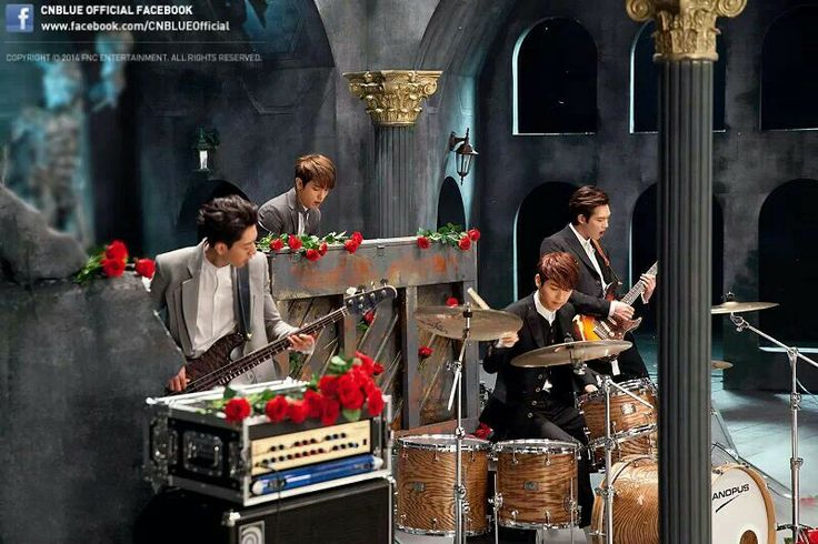 Love this atmosphere in MV*-* MV Shooting! Can't stop CNBLUE
