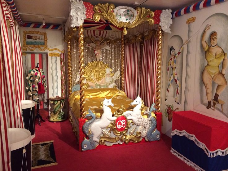 Cecil Beaton S Circus Bed Recreated By Beaudesert Ltd