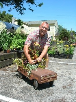 Michael Petrie Tries Out An Unusual Planter At His New Business, Michael  Petrieu0027s Handmade Gardens