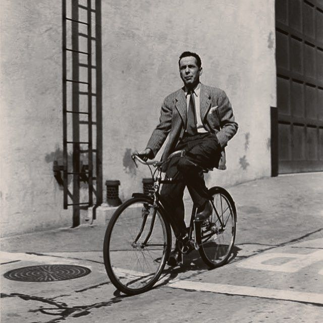 Bogie bikes around the backlot for your #ThrowbackThursday. --- Via @hollywoodclassicsdaily --- #strawbossco #strawboss #retro #vintage #classic #hollywood #oldhollywood #vintagefashion #vintagestyle #vintagehollywood #vintagestyle #dapper #gentlemen #gentleman #sir #blackandwhite #classy #retro #backlot #hollywoodland #old #oldies #tbt