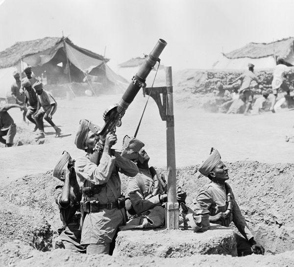 Jat Lewis gunner firing at enemy plane, probably Tigris front, Mesopotamia, 24th October 1918.: Man Lewis, Lewis Guns, World Wars, Mesopotamian Front, 1918, British Soldiers, Indian British, Troop Man, Indian Troop