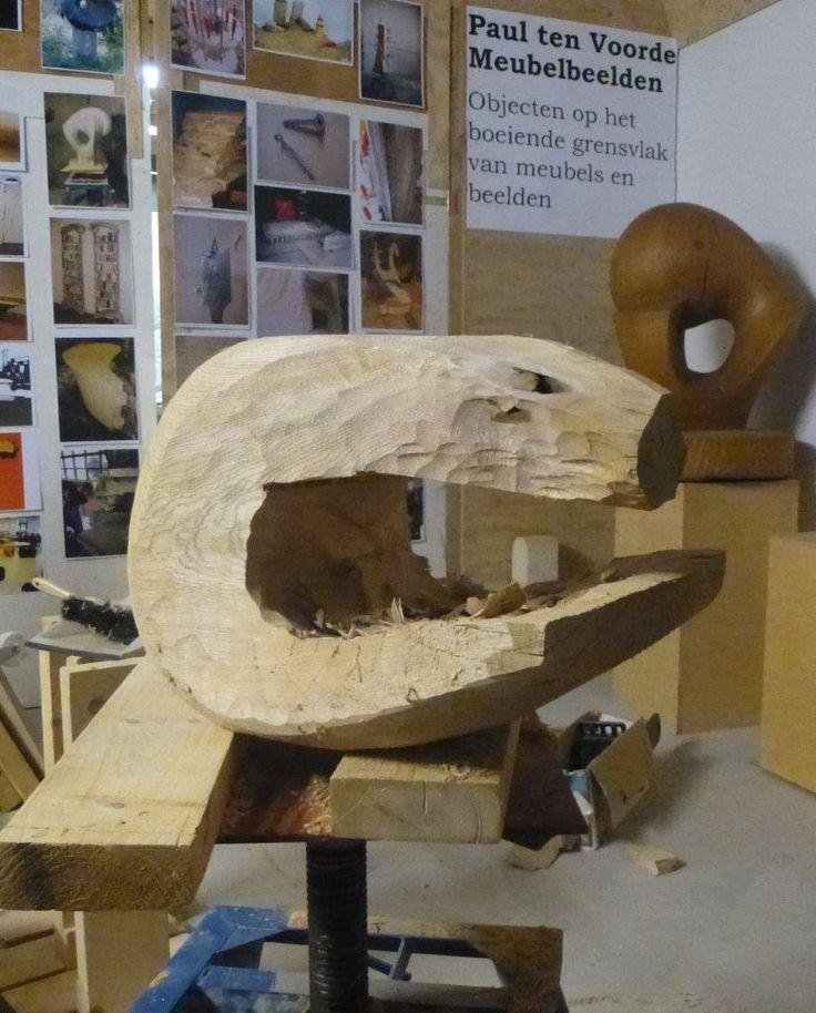 Making a wooden sculpture.  Furnisculptures - Meubelbeelden Paul ten Voorde