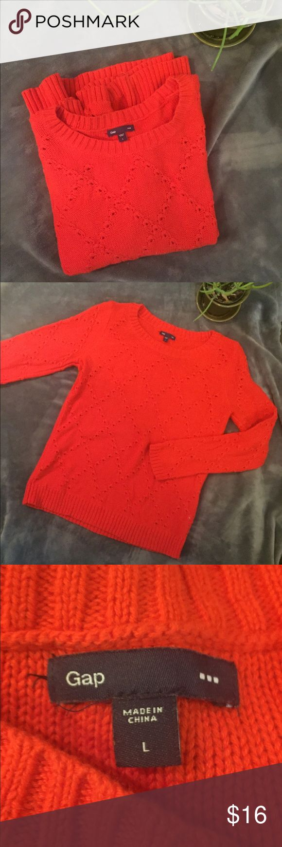 GAP Coral Knit Sweater Lovely Winter staple! One very small pull, pictured, located in patterned front panel. Back of sweater is solid knit with no pattern. Purchased in-store at GAP Factory (outlet). Long sleeves, could be a spacious Small or Medium. 🍊 GAP Sweaters Crew & Scoop Necks