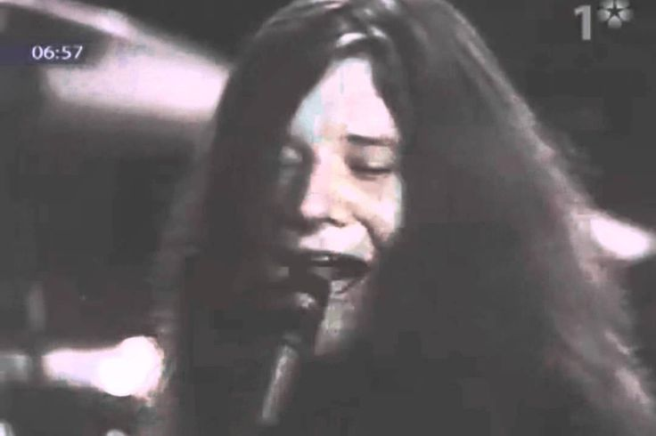 Janis Joplin - Summertime (Live -1969) I heard this on FB. I had no idea she was so great. Really.