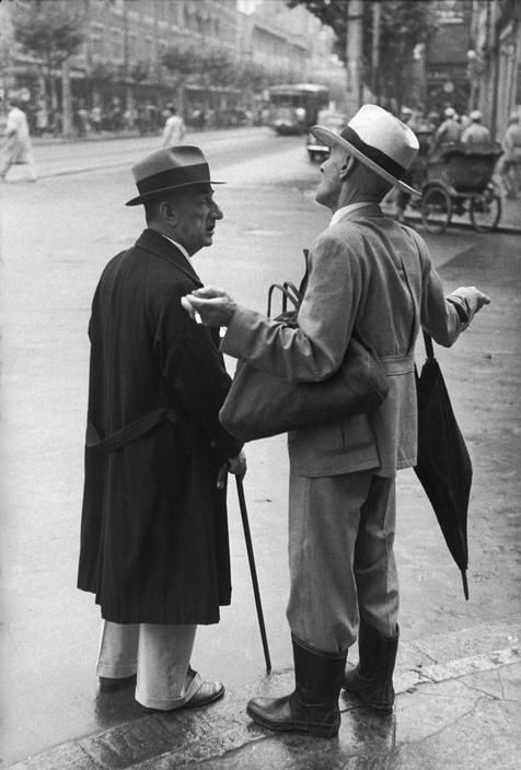 Shanghai China 1949 Photo: Henri Cartier-Bresson