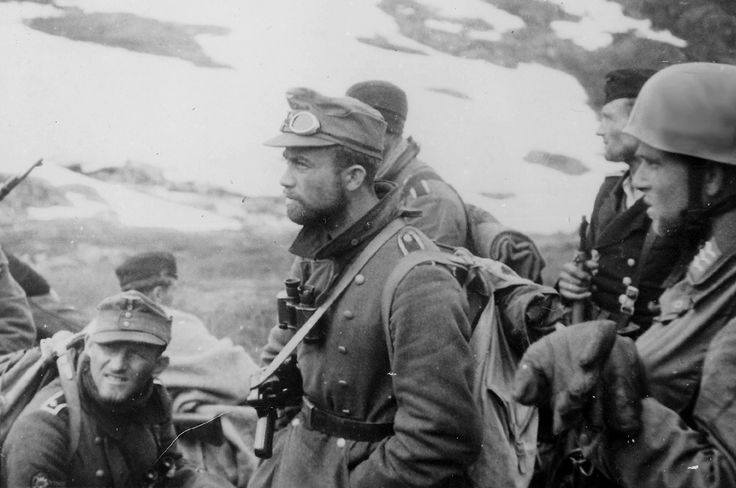 """ Fallschirmjäger, Gebirgsjäger, and Kriegsmarine soldiers stand together; a few weeks into the fighting on Narvik - 1940. """
