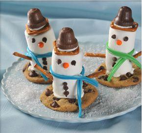 marshmallow snowmen - cute and looks yummy!Holiday, Christmas Food, Marshmallows Snowman, Sweets Treats, Marshmallows Snowmen, Christmas Treats, Kids, Christmas Ideas, Snowman Cookies