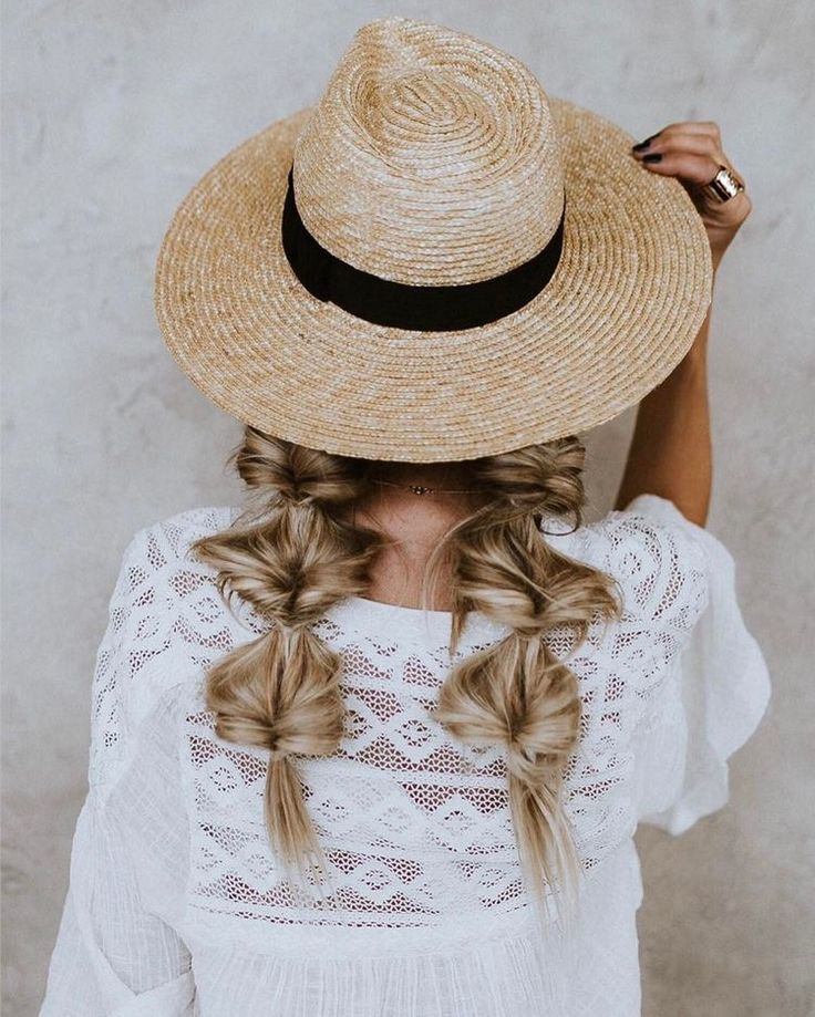 This hair is so cute for fall! Especially with that cute hat!