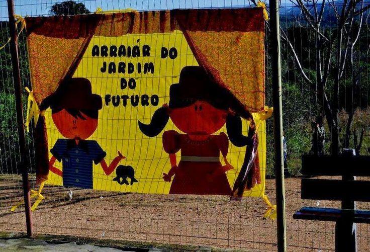 Neste sábado (19), estive na Lomba do Pinheiro, em visita à festa julina promovida pelo amigo Serjão. Belo trabalho que eles prestam às crianças da comunidade, por meio da Escola de Educação Infantil Jardim do Futuro.