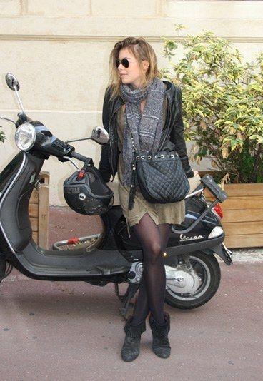 Streetstyle Herbst 2010 - Während die Designer bei den Modewochen von New York, London, Mailand und Paris bereits ihre Kollektionen für die Sommermode 2011 vorstellen, werden auf den Straßen erst einmal die Trends für die kühle Saison eingeläutet...