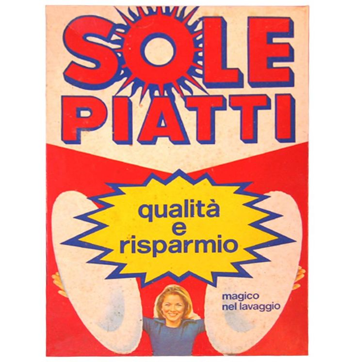 """THE HISTORY OF PACKAGING - SOLE PIATTI Ve la ricordate la promessa di Sole P. nello spot anni '80? """"Contro l'unto di tutti i piatti, metti Sole e vincerai!"""" il sogno di ogni donna era racchiuso in questo #slogan. Ha subito vari #restyling dagli anni 70 ad oggi ma la #semplicità e #funzionalità del suo #packaging è rimasta immutata, trasferendo immediatamente al consumatore i vantaggi che offre il prodotto. Qui lo spot del 1985 https://www.youtube.com/watch?v=zH5LLEGiyY4"""