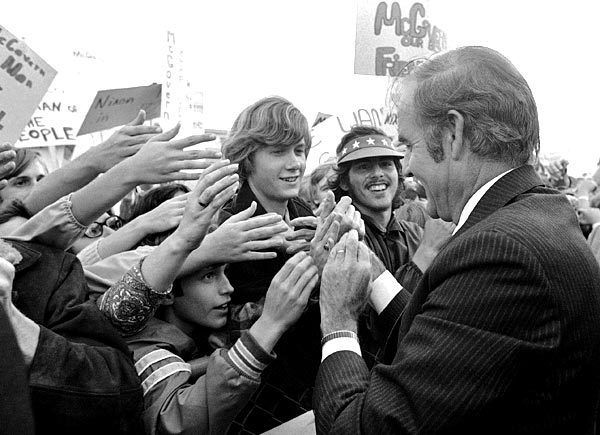 1972 ELECTION - George McGovern greets young supporters at an airport rally in Sioux Falls, S.D.   -- September 1972