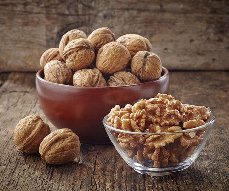 Vlašské ořechy jsou doslova nabité prospěšnými látkami, zařaďte je do vašeho jídelníčku i vy; Thinkstock