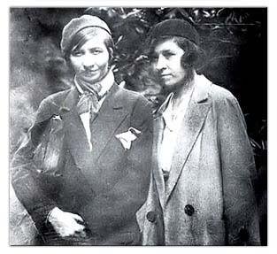 Violette Leduc and a friend