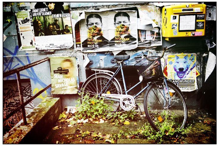 Hamburg Fashion, Art and Graffiti. More pics in link http://www.michaelsvenningsen.com/iphoneneeds.html Instagram @michaelsvenningsen Twitter @MichSvenningsen