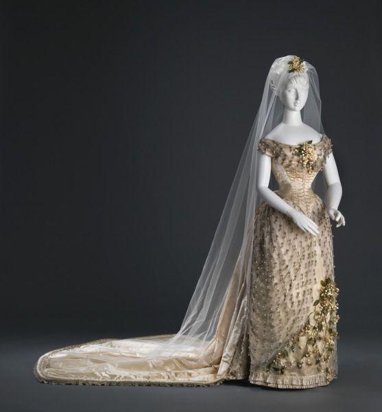 Wedding Dresses Cincinnati: 17 Best Images About Wedding Gowns: 1800s On Pinterest