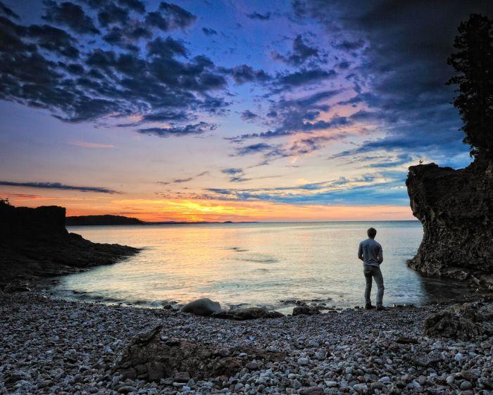 skipping-stones-lake-superior-presque-isle-park