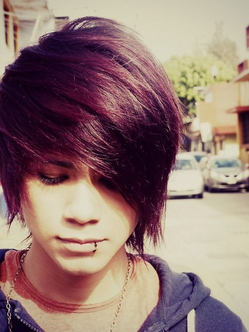35+ Fabulous Emo Hairstyles For Men - Gravetics