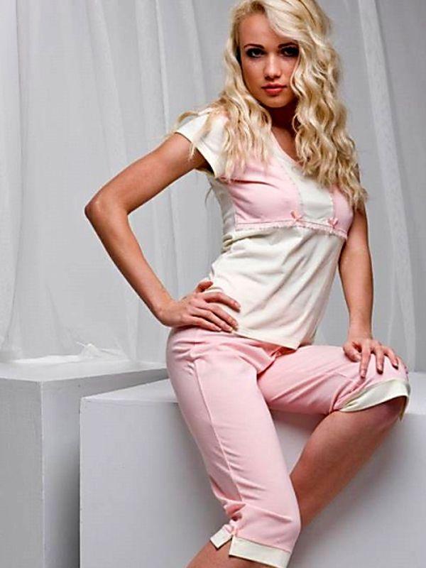 Bavlněné pyžamo s capri kalhotami - Lega. Nakupujte na: Fashion-intimate.cz