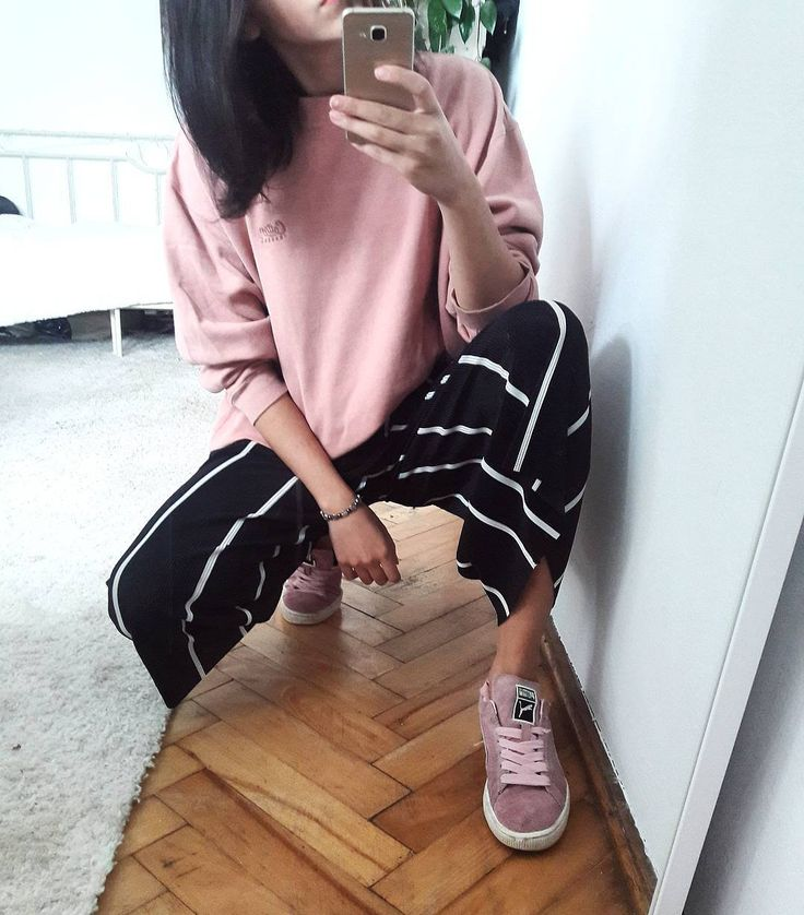 "Polubienia: 36, komentarze: 1 – The diet Kola (@thedietkola) na Instagramie: ""#todaysoutfit #secondhand jumper #zara pants #puma shoes . . #polishgirl #selfie #girl #fashion…"""