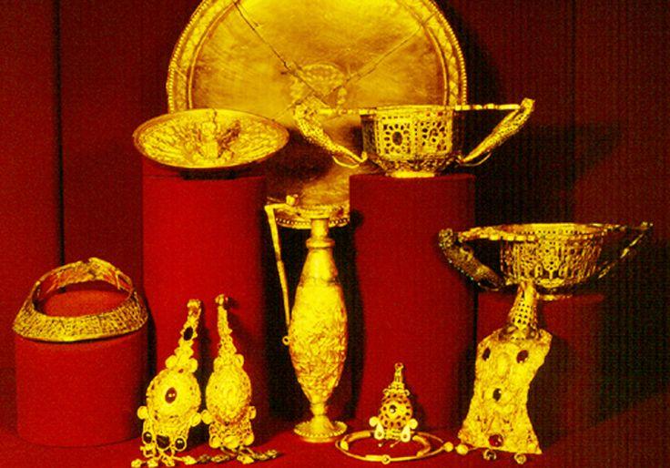 Tezaurul de la Pietroasa - Istorie Veche Istorie Veche
