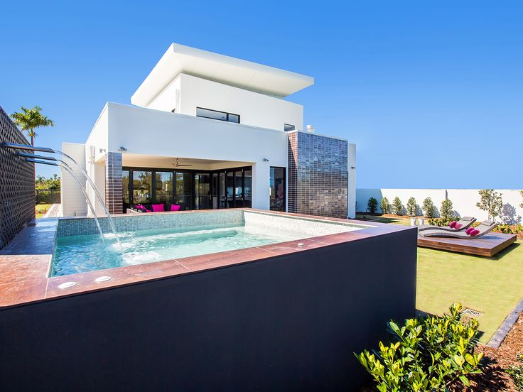 Villa on the Green - 2306 Vardon Lane, Sanctuary Cove, Queensland. Luxury holiday home for exclusive escapes. #holidays #luxuryhomes #holidayhomes #queenslandholiday #luxuryescapes #getaway