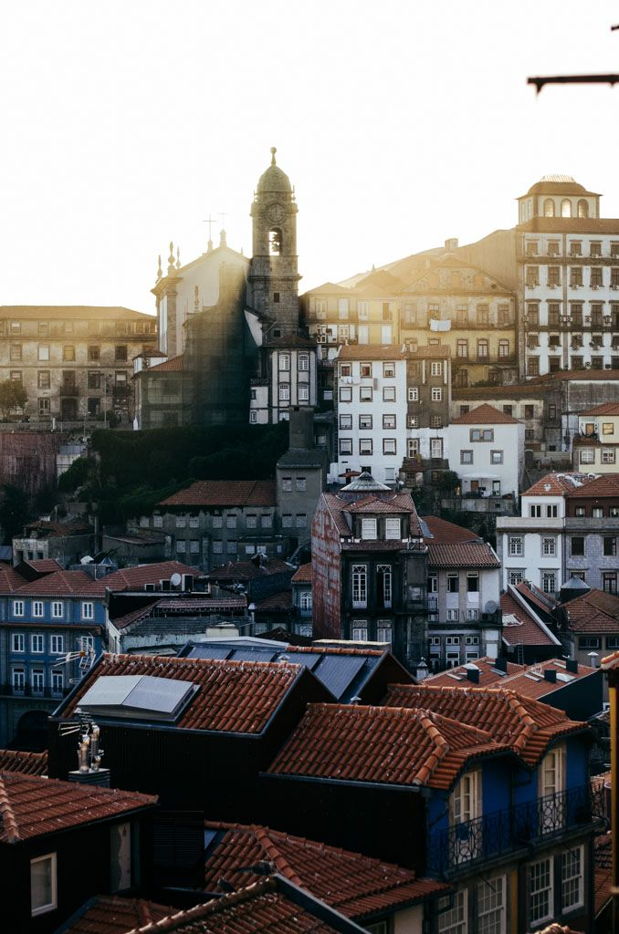 City Inspirations - Made in Portugal #funktionschnitt #architecture #city #photography #porto #buildings #sunshine #sun
