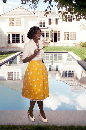 Now playing: body-conscious clothes that are sensual but never over-the-top. Actress Viola Davis, Oscar-nominated for her role in Doubt, channels the timeless glamour of movie stars like Marilyn Monroe, Lena Horne, and Eartha Kitt.