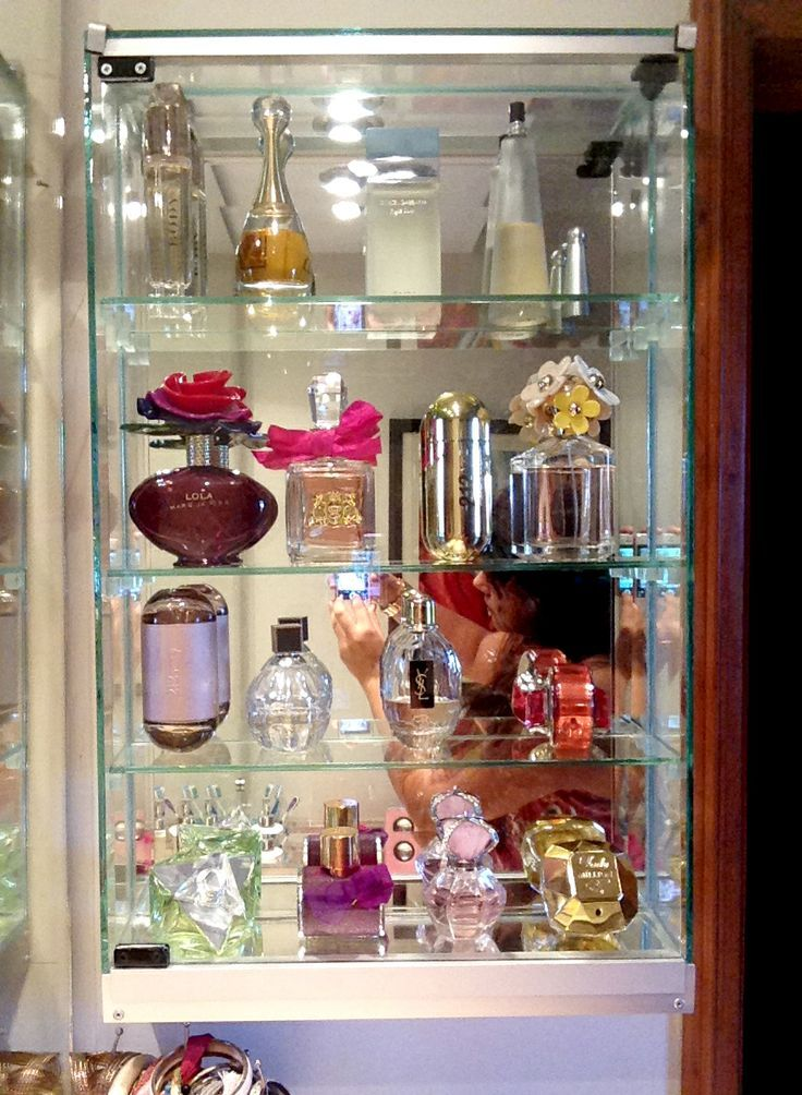 Billedresultat for perfume display ideas