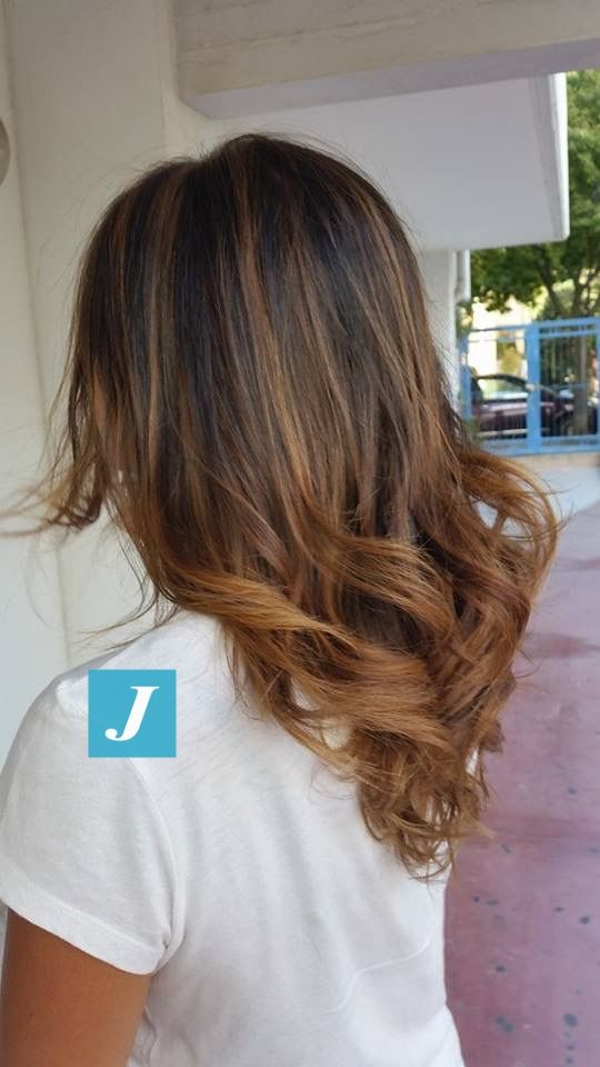 Spotted in salone! Degradé Joelle con nuances brown and caramel #cdj #degradejoelle #tagliopuntearia #degradé #welovecdj #igers #naturalshades #hair #hairstyle #hairstyles #haircolour #haircut #fashion #longhair #style #hairfashion