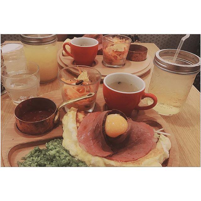 #新宿 #飲食店 #飲み物 #リンゴジュース #ジュース #卵 #スープ #オムレツ #ルミネ #新宿ルミネ #ほうれん草 #ご飯 #肉 #お肉 #ローストビーフ #美味しかった #写真好きな人と繋がりたい