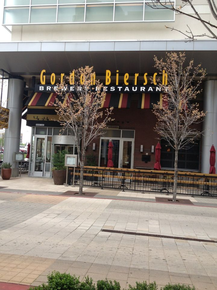 Gordon Biersch Brewery Restaurant in Dallas, TX